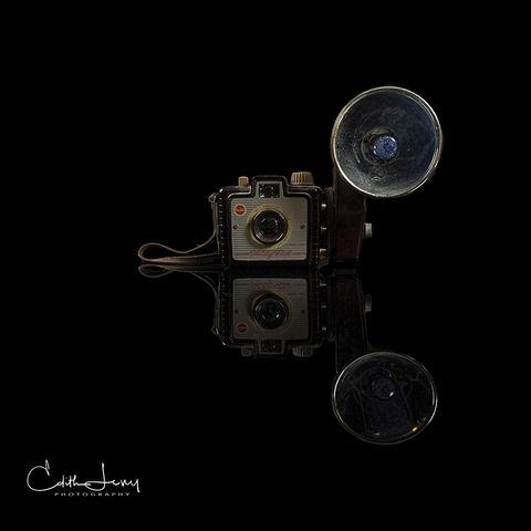 Brownie, flash, classic camera