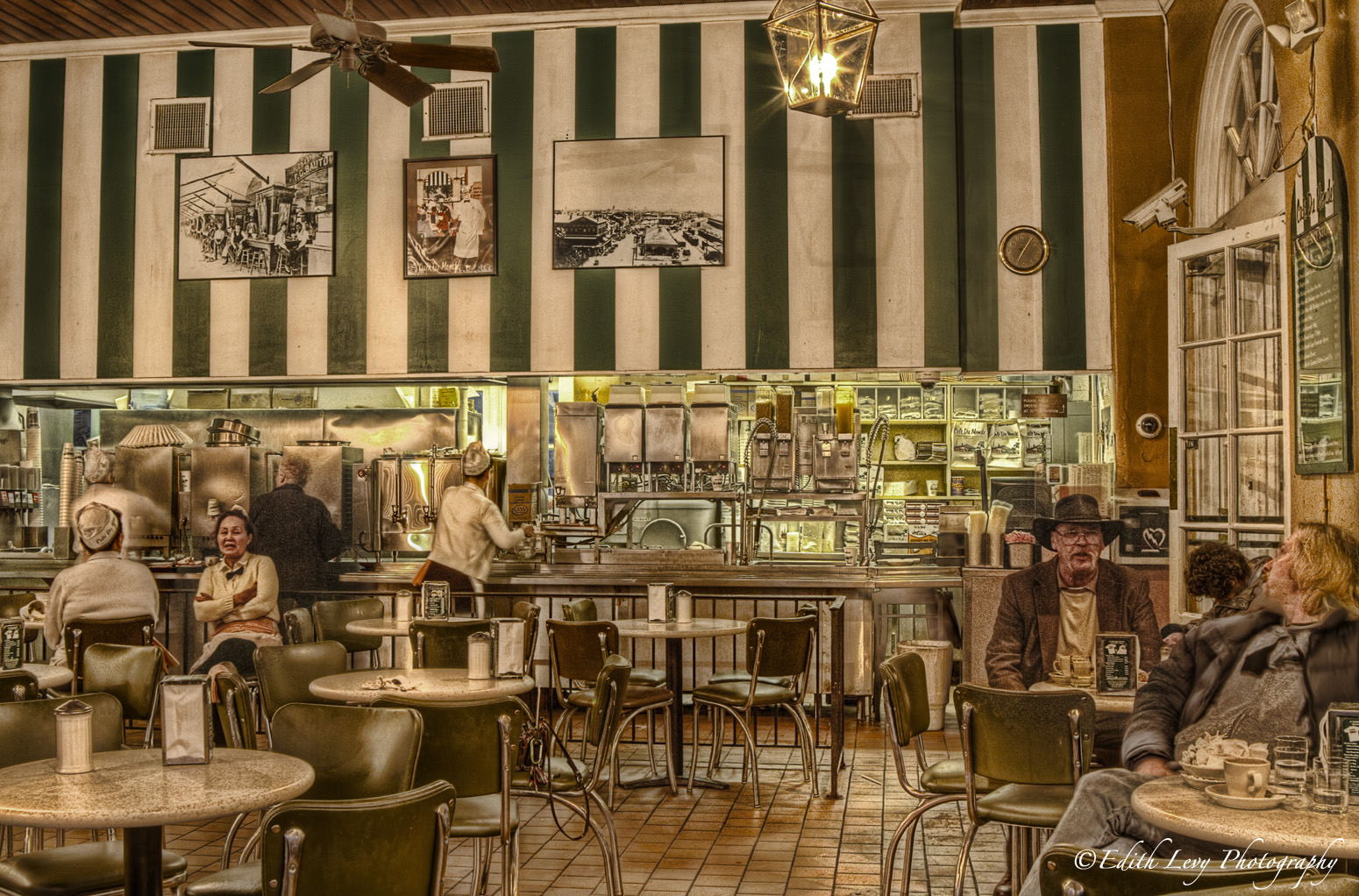 Cafe du monde, French quarter, New Orleans, Louisiana, coffee, beignet, hot chocolate, restaurant, photo