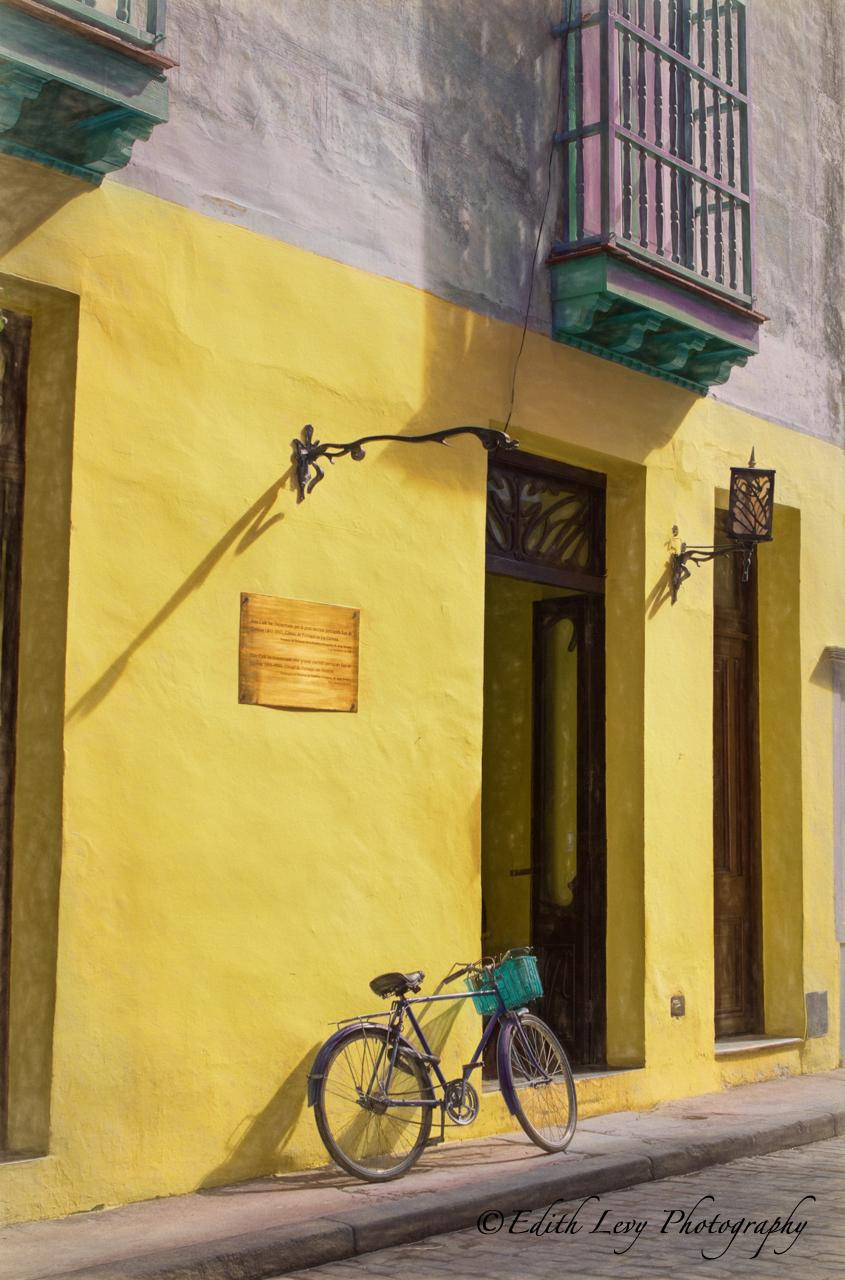 Havana, Cuba, architecture, building, bicycle, photo