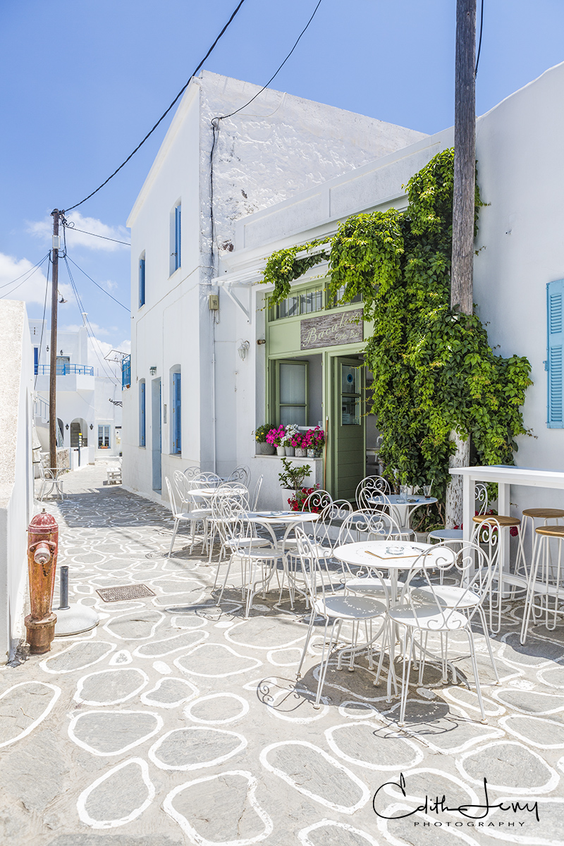 Limited Edition of 50 Plaka is the main town in Milos and is perched on top of a hill overlooking the gulf of Milos. The village...