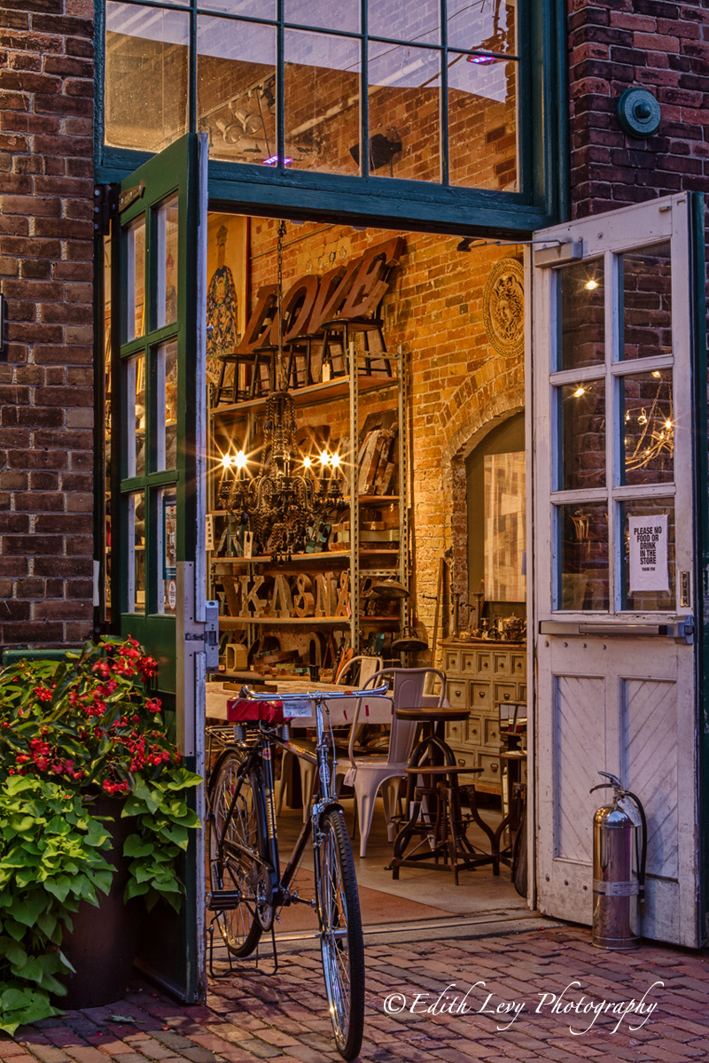 A lovey store located int he Distillery District that sadly is now closed.